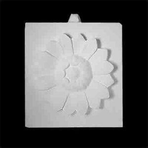 gipsovaya-figura-rozetka-cvetok